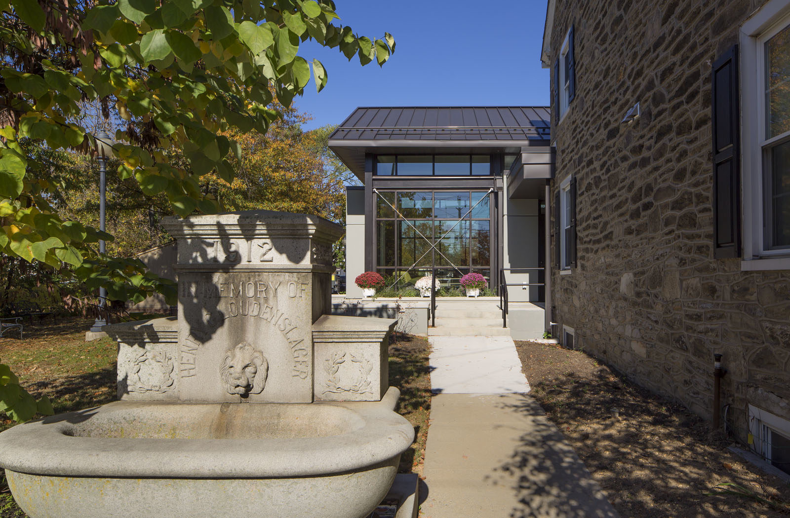 gill_library_201527-10